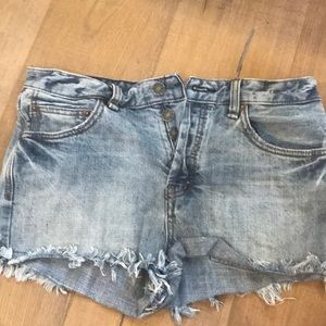 BARELY WORN-Free People cut off shorts